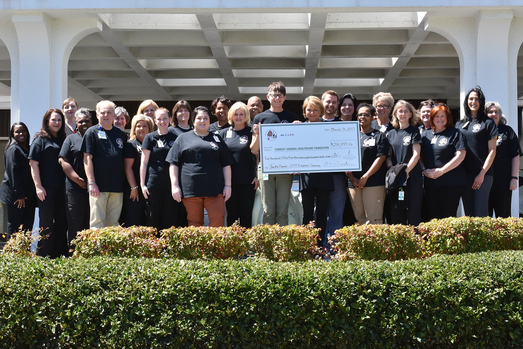 Forrest General Hospital Employees Donate Over 200 000 For Cancer
